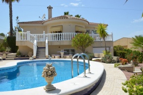 Villa Rojales for 6 travelers